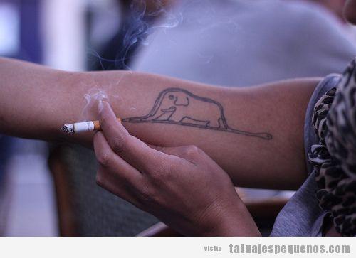 Tatuaje bonito y original, sombrero o elefante de El Principito