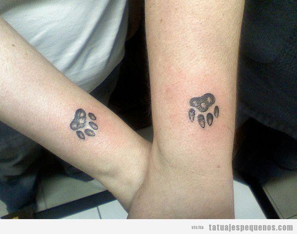 Huellas de animales, tattoo en las brazos