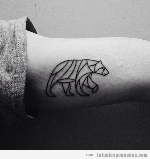 Tatuaje pequeño y original de un oso estilo geométrico