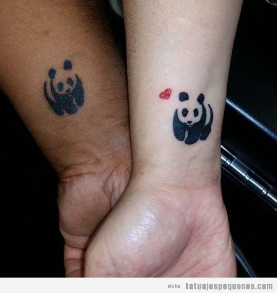 Tatuaje pequeño en pareja, oso panda