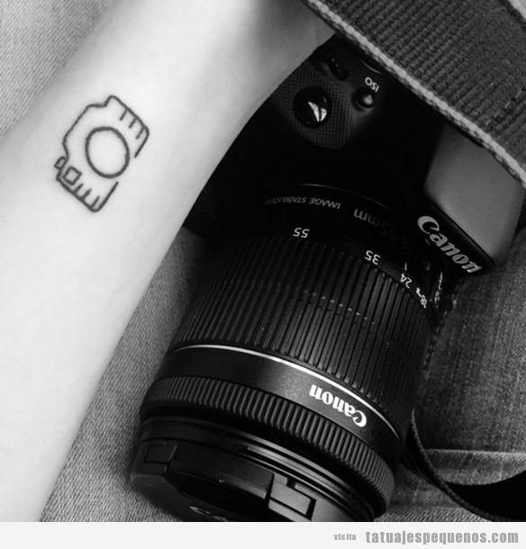 Tatuaje pequeño cámara fotos reflex