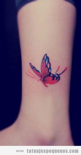 Tatuaje pequeño mariposa en el tobillo