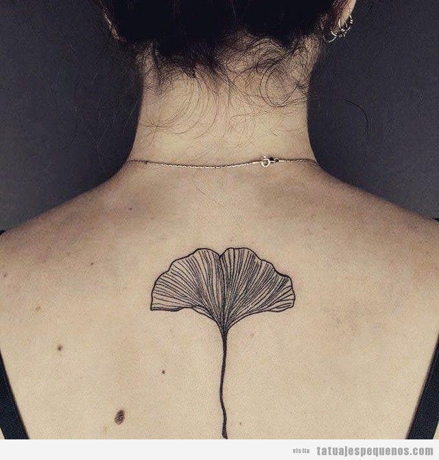 Tatuajes pequeños de hojas de gingko para hombre y mujer