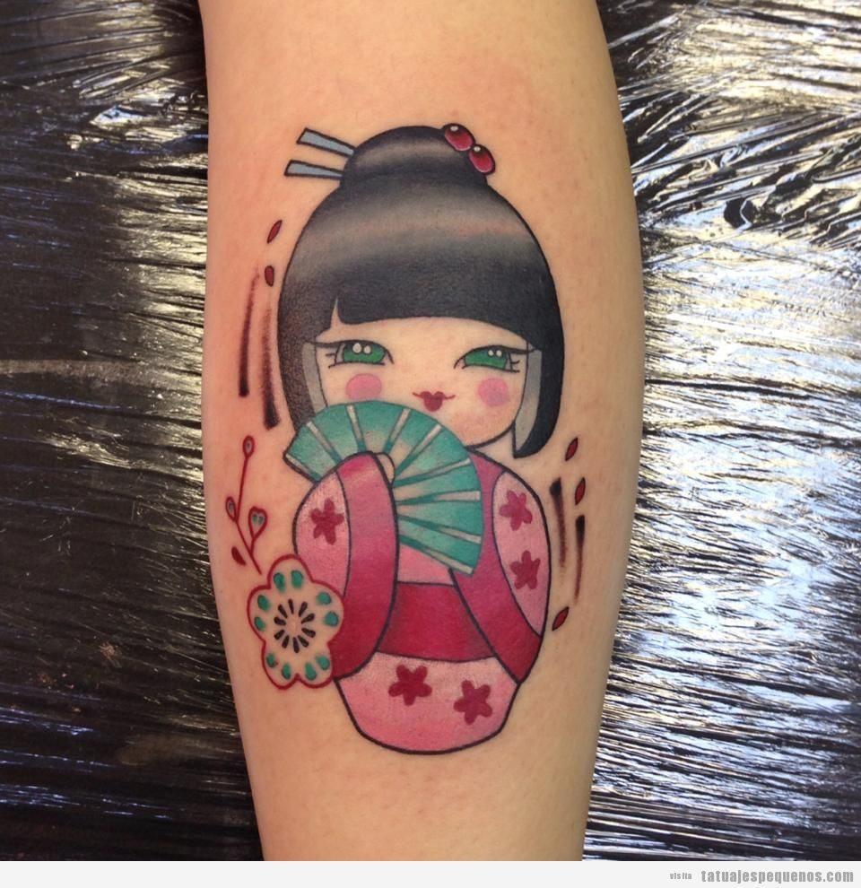 Tatuajes pequeños muñecas kokeshi dolls para mujer en el antebrazo 2