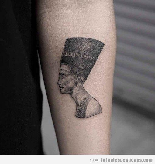 Tatuajes pequeños hombre y mujer antiguo Egipto, Nefertiti
