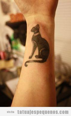Tatuajes pequeños hombre y mujer antiguo Egipto, gato