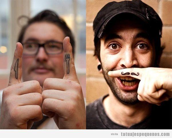 Tatuajes pequeños en los dedos de la mano para hombre 2