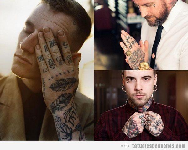 Muchos tatuajes pequeños en la mano para hombre