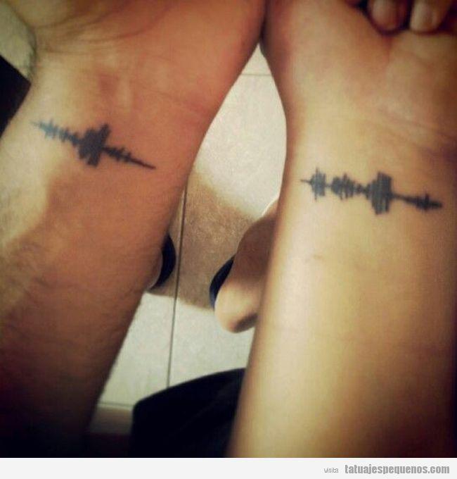 Tatuajes pequeños para parejas, ondas sonoras