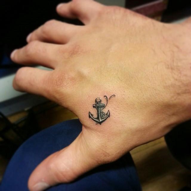 Tatuaje pequeño original hombre 2