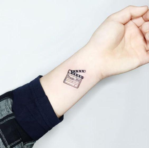 Tatuajes pequeños originales para mujer 10