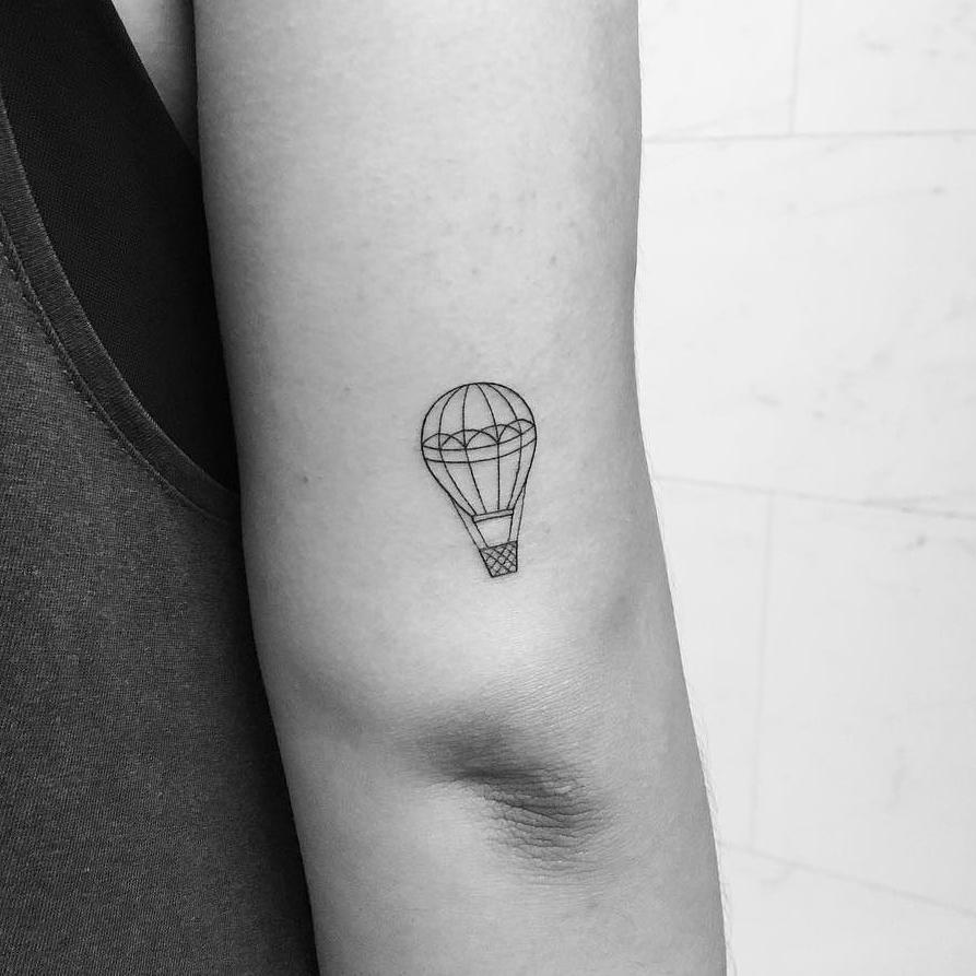 Tatuajes pequeños originales para mujer 13