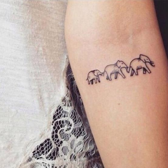 Tatuajes pequeños madre e hija 16