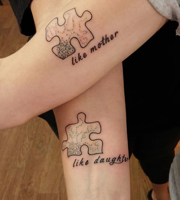 Tatuajes pequeños madre e hija 17