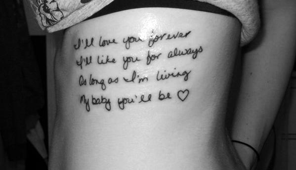 Tatuajes pequeños con frases de amor 4