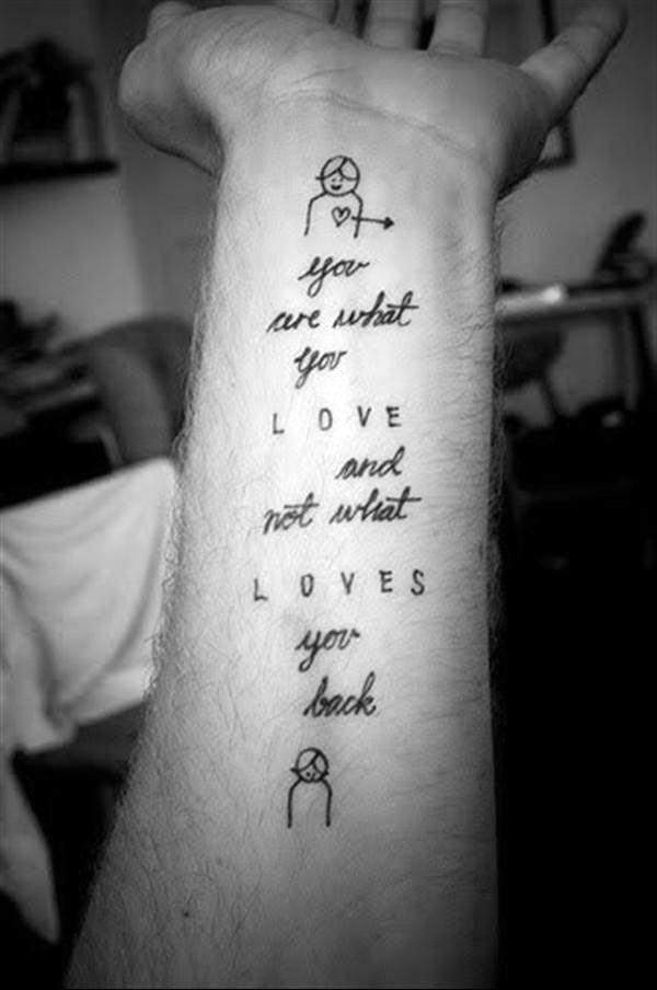 Tatuajes pequeños con frases de amor 7