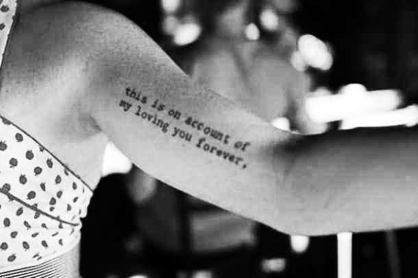 Tatuajes pequeños con frases de amor