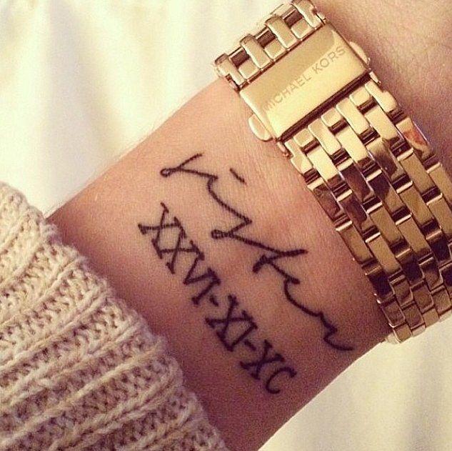 Tatuajes pequeños fecha cumpleaños 7