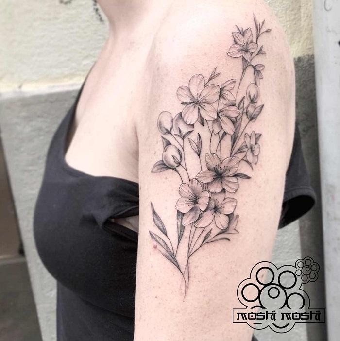 Tatuaje flores detalladas