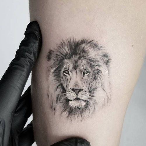 Tatuajes pequeños hombre 2019 león