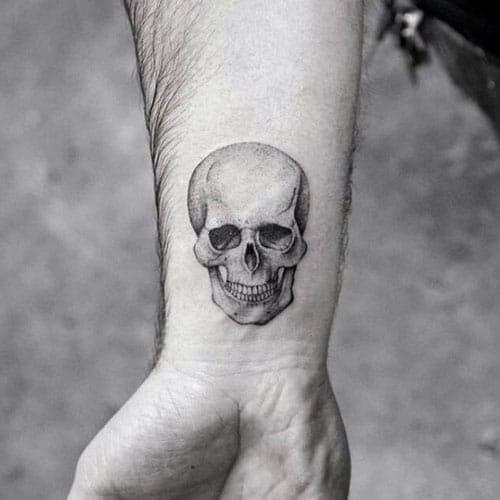 Tatuajes pequeños hombre 2019 calaveras