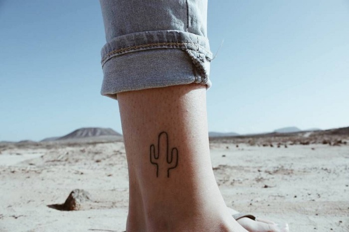 Tatuajes pequeños hombre 2019 cactus