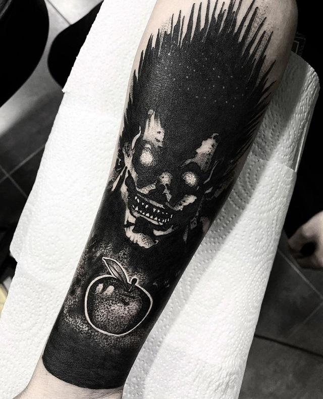 Tatuaje blackwork Fran Sánchez