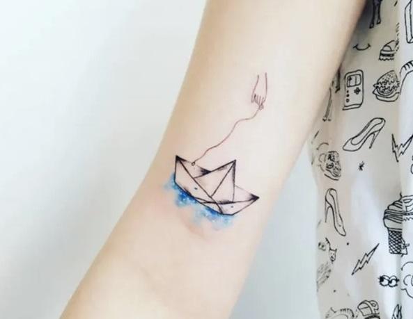 Precio de un tatuaje pequeño color y blanco y negro